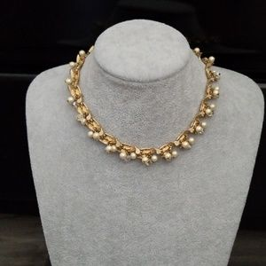 Jewelry - Antique gold plated Necklace with Pearl Accents!